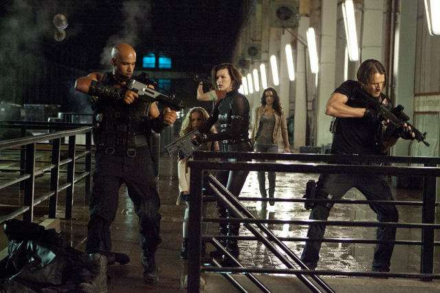 resident evil retribution Milla Jovovich;Michelle Rodriguez;Boris Kodjoe