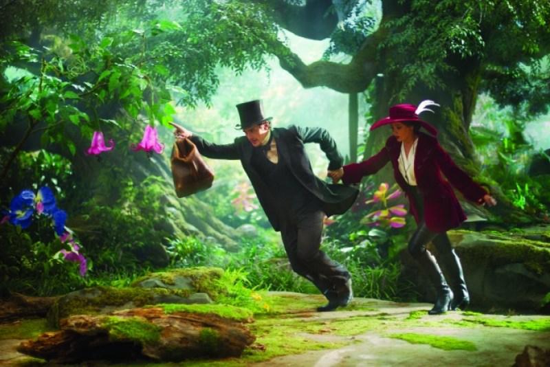 Merie Weismiller Wallace/Walt Disney PicturesOz (James Franco) runs off with Theodora (Mila Kunis).