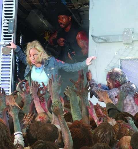 Dawn of the Dead 2004 Sarah Polley and Ving Rhames and zombies