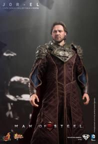 Hot Toys Man of Steel Jor-El standing