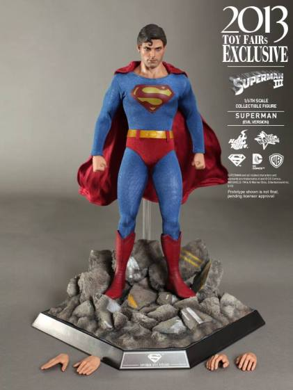 Hot Toys Superman III Evil Superman base and accessories