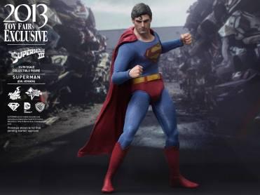 Hot Toys Superman III Evil Superman fighting