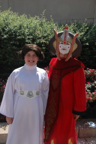 Baltimore Comic Con 2013 - Leia and Padme