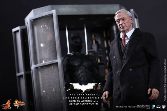 Hot Toys The Dark Knight Batman Armory - Alfred in front of case