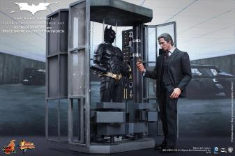 Hot Toys The Dark Knight Batman Armory - Bruce Wayne opening it up