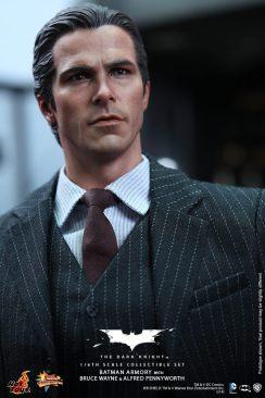 Hot Toys The Dark Knight Batman Armory - Bruce Wayne