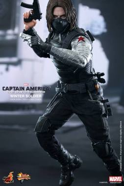 Hot Toys Captain America The Winter Soldier - Winter Soldier with two guns