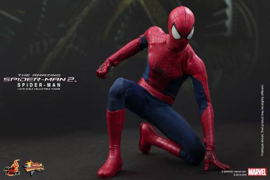 Hot Toys The Amazing Spider-Man 2 - Spidey crouching