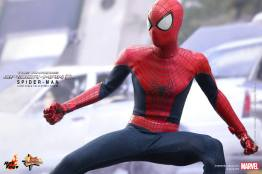 Hot Toys The Amazing Spider-Man 2 - wide battle stance