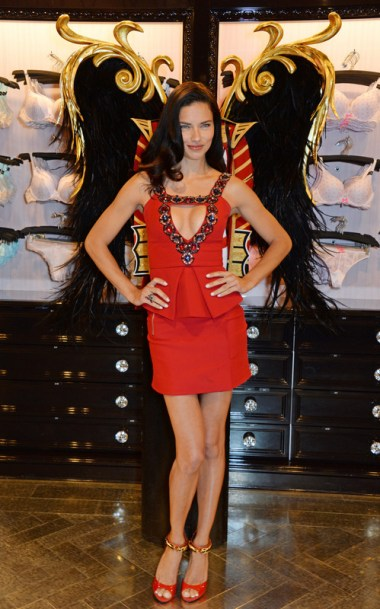victorias-secret-london-victorias-secret-angel-adriana-lima