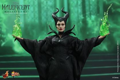 Hot Toys Maleficent with green flame