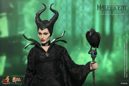 Hot Toys Maleficent with staff and crow