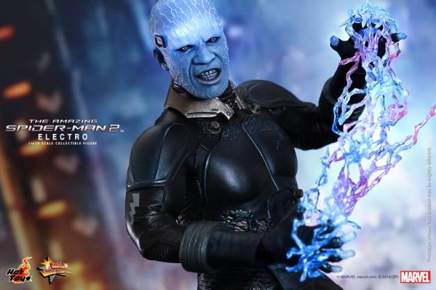Hot Toys The Amazing Spider-Man 2 - Electro close up with lighting bolts