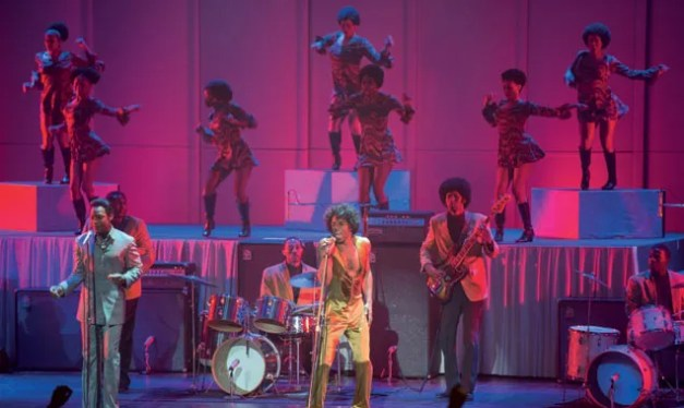"D. Stevens/Universal Pictures Bobby Byrd (Nelsan Ellis) and James Brown (Chadwick Boseman) perform in ""Get on Up"""