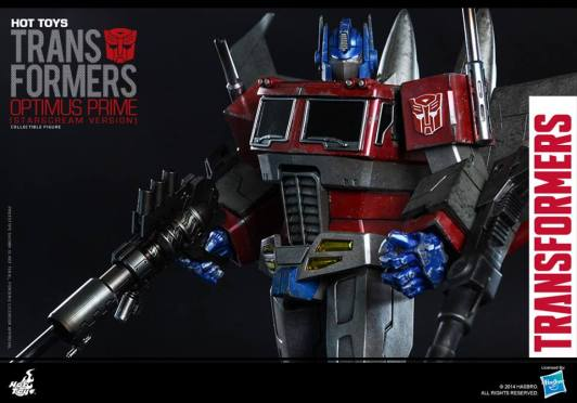 Hot Toys Gen 1 Optimus Prime - Starscream variant - staring