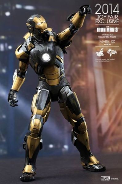 Hot Toys Iron Man Mark XX Python Armor - looking up