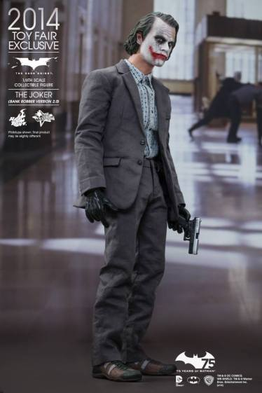 Hot Toys Joker exclusive holding gun