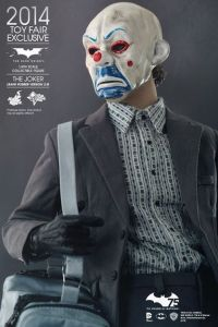 Hot Toys Joker exclusive with mask side