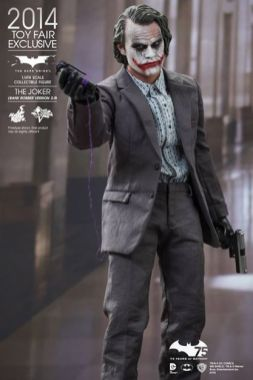 Hot Toys Joker exclusive with trigger