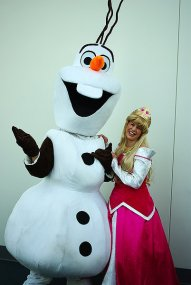 SDCC2014 cosplay - Olaf and Princess Toadstool