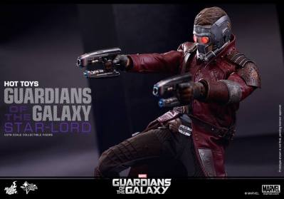 Hot Toys Guardians of the Galaxy - Star Lord aiming guns horizontal