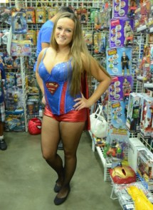Baltimore Comic Con 2014 - Supergirl