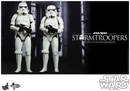 Hot Toys Stormtroopers set - straight