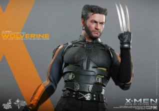 Hot Toys X-Men DOFP Wolverine - claw ready