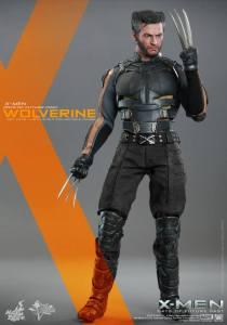 Hot Toys X-Men DOFP Wolverine - claw up