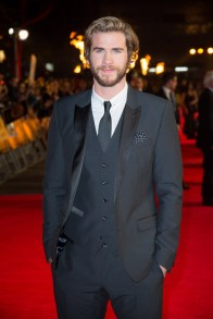 the-hunger-games-mockingjay-part-1-MockingjayPart1-Premiere- Liam Hemsworth