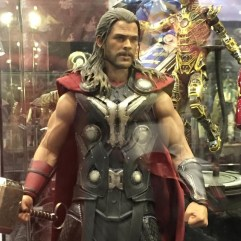 Hot Toys Age of Ultron Avengers figures - Thor