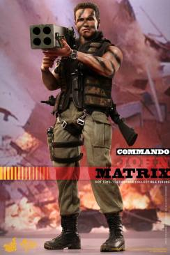 Hot Toys Commando - John Matrix figure - big shot with rocket launcher
