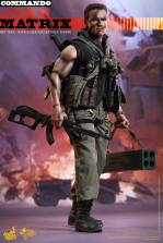Hot Toys Commando - John Matrix figure - with gun and rocket launcher2