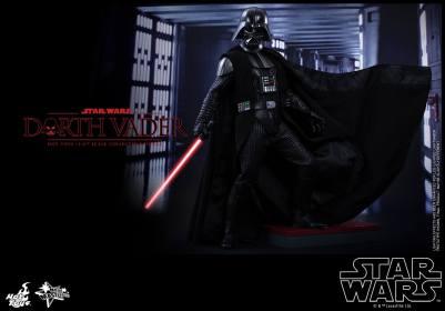 Hot Toys Star Wars Darth Vader figure - main pic