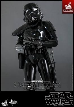 Hot Toys Star Wars Shadowtrooper -closer