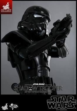 Hot Toys Star Wars Shadowtrooper -tight aiming