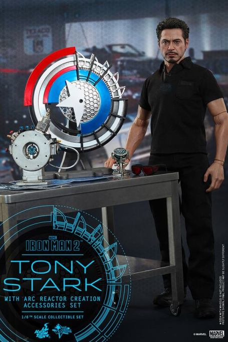 Hot Toys Tony Stark Iron Man 2 figure - with arc reactor and shield