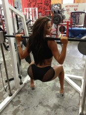 vida-guerra lifting in heels