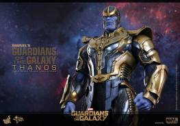 Hot Toys Thanos - closer waist up