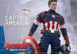 Hot Toys The Avengers Age of Ultron Captain America - holding shield and helmet