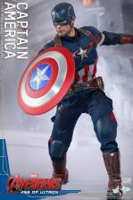 Hot Toys The Avengers Age of Ultron Captain America - on the attack