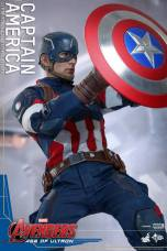Hot Toys The Avengers Age of Ultron Captain America - tight shield raising
