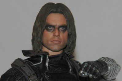 Hot Toys The Winter Soldier - close up with arm up