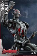 Hot Toys Age of Ultron - Ultron Prime - posing