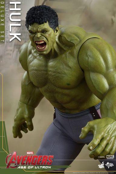 Hot Toys Hulk - Age of Ultron - moving forward