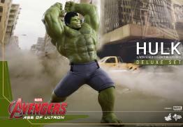 Hot Toys Hulk - Age of Ultron - pounding