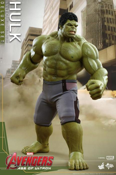Hot Toys Hulk - Age of Ultron - side look