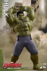 Hot Toys Hulk - Age of Ultron - smashing angry face