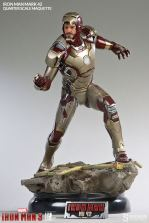 Iron Man Mark 42 maquette - mask up scale