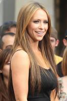 jennifer-love-hewitt-black top